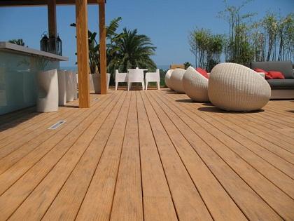 Deck ecológico desafia a ação do tempo